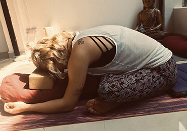 Holy_Yoga_Alisa-1.jpg